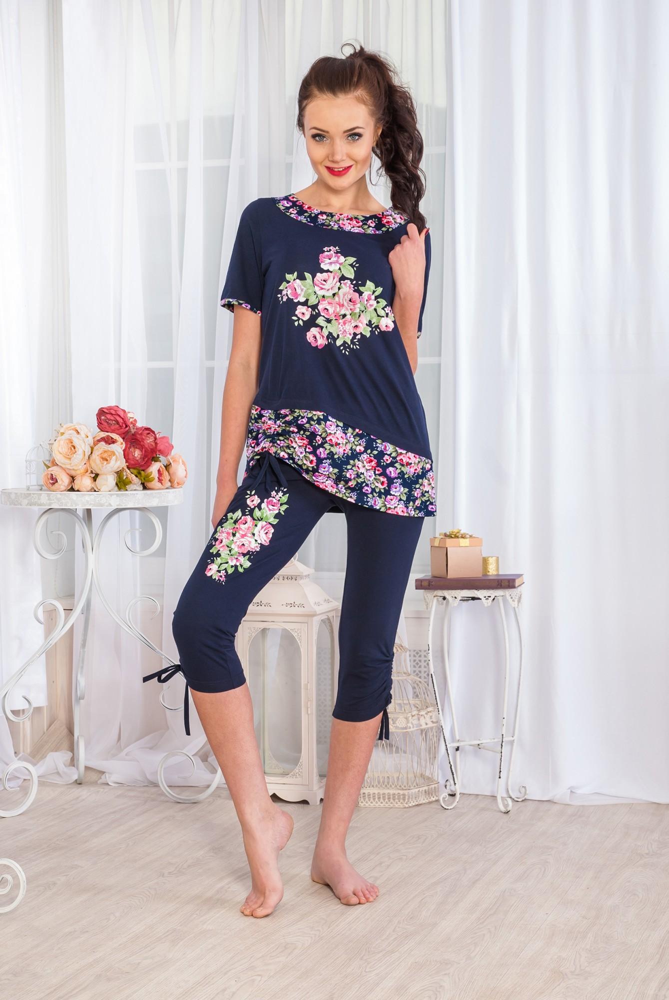 Костюм женский Бегония футболка и каприКоллекция ВЕСНА-ЛЕТО<br><br><br>Размер: 46