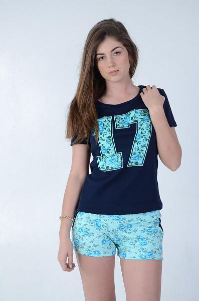 Костюм женский Фаворит футболка и шортыКостюмы<br><br><br>Размер: 50