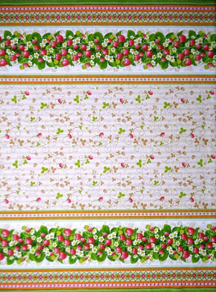 Скатерть из ткани двунитка ЗемляничкаСкатерти и салфетки<br><br><br>Размер: 150х150