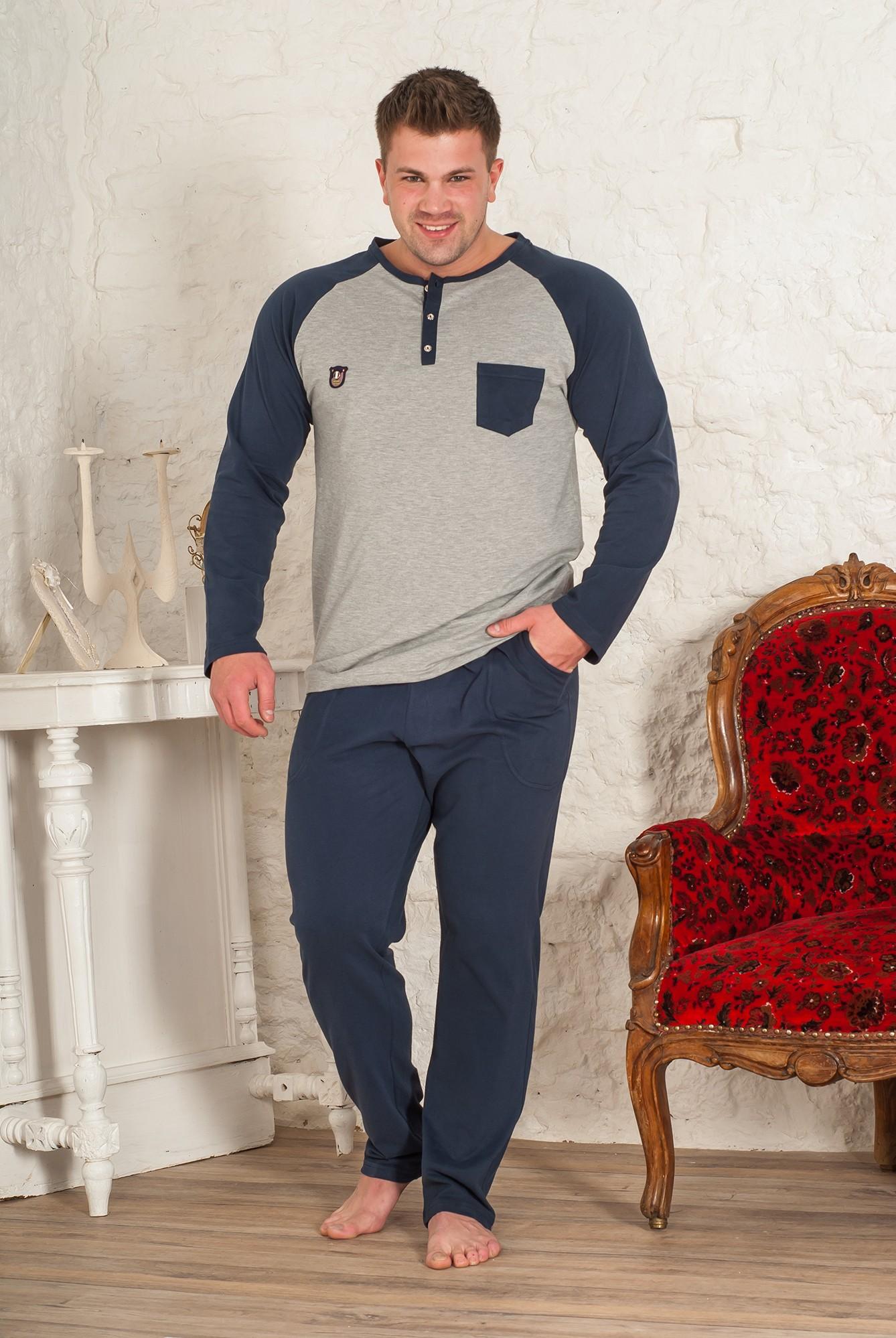 Костюм мужской Майк футболка и брюкиКостюмы<br><br><br>Размер: 48