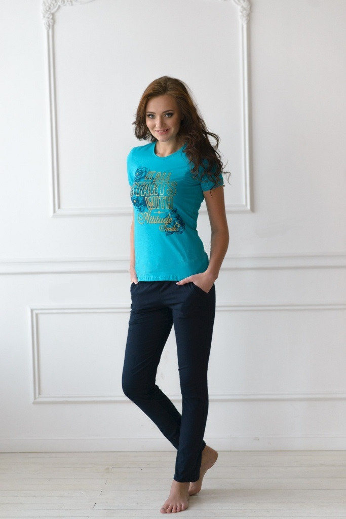 Комплект женский Испания футболка и брюкиКостюмы<br><br><br>Размер: 44