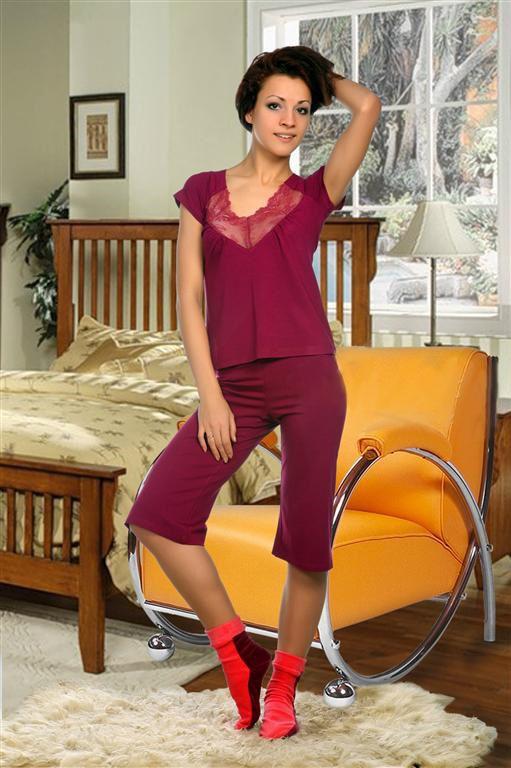 Пижама женская Вероника майка и брюкиДомашняя одежда<br><br><br>Размер: Вишневый