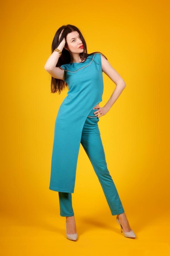 Костюм женский Морская волна туника и брюкиКостюмы<br><br><br>Размер: 50 (только для синего цвета)