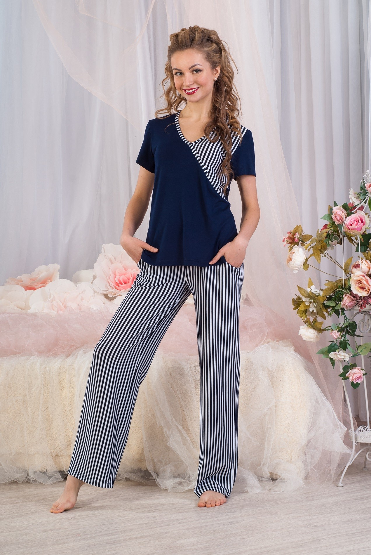 Костюм женский Круиз футболка и брюкиКостюмы<br><br><br>Размер: 40