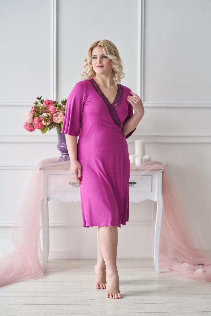 Халат женский Медея с V-образным вырезомДомашняя одежда<br><br><br>Размер: Сливовый