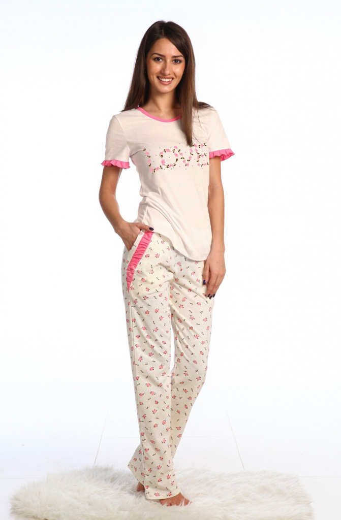Пижама женская Love футболка и брюкиКоллекция ВЕСНА-ЛЕТО<br><br><br>Размер: 52