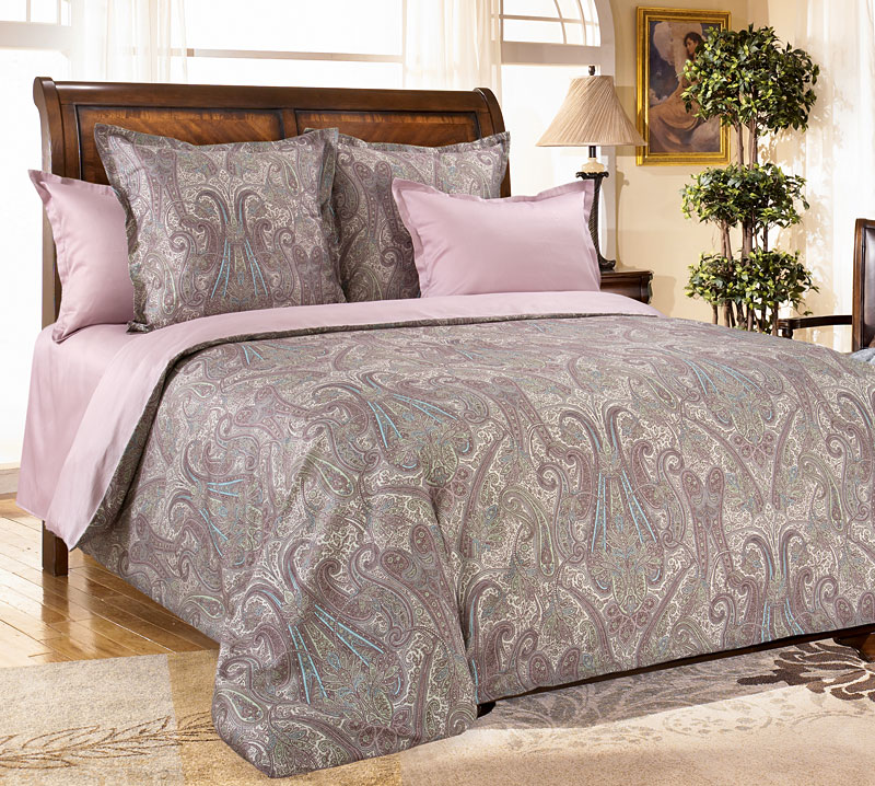 Комплект постельного белья Кашмир 4 из сатинаСатин<br><br><br>Размер: Семейный (4 нав)70x70 (2 шт) и 50х70 (2 шт)
