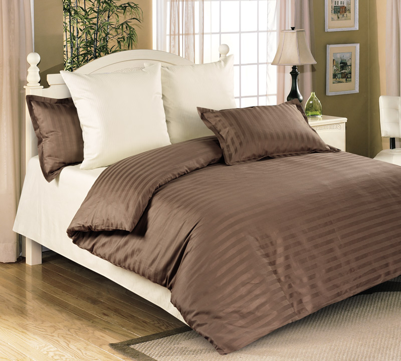 Комплект постельного белья Мокко из сатинаСатин<br><br><br>Размер: Семейный (4 нав) 70x70 (2 шт) и 50х70 (2 шт)