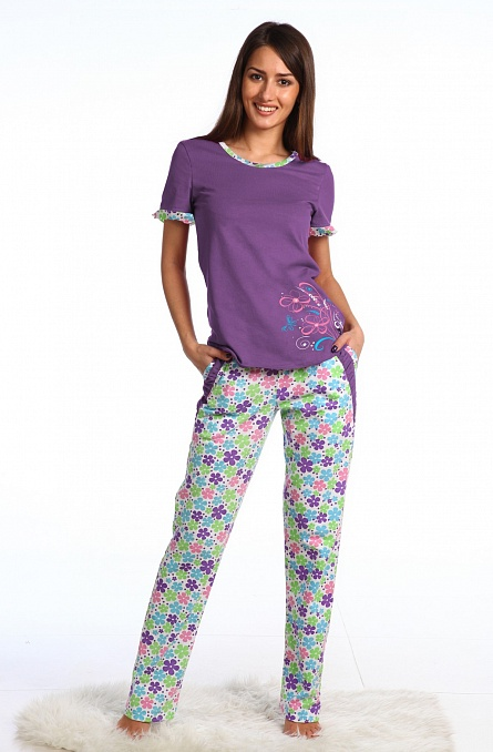 Комплект женский Цветы футболка и брюкиКомплекты домашние теплые<br><br><br>Размер: 42