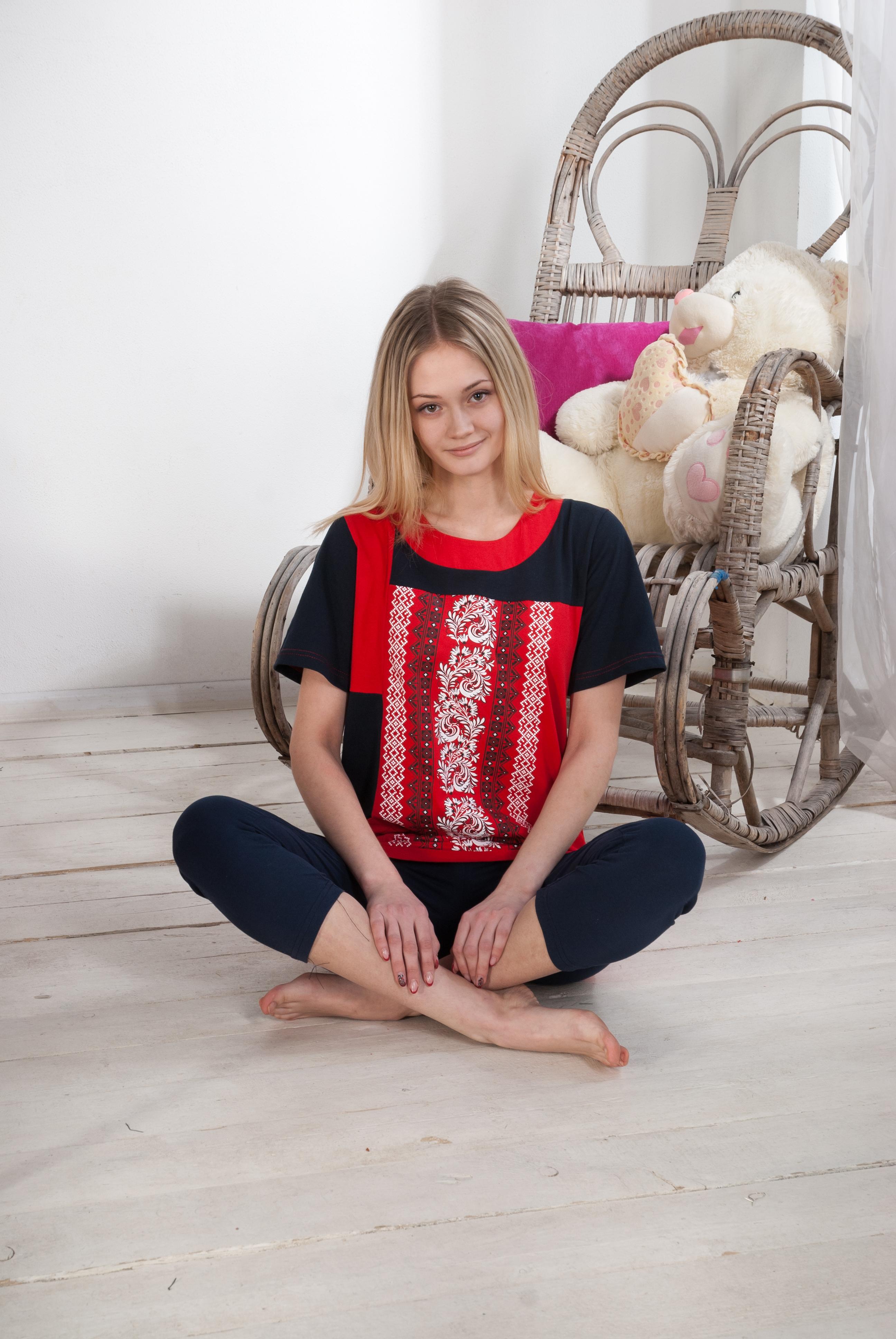 Костюм женский ДачныйКостюмы<br><br><br>Размер: Красный