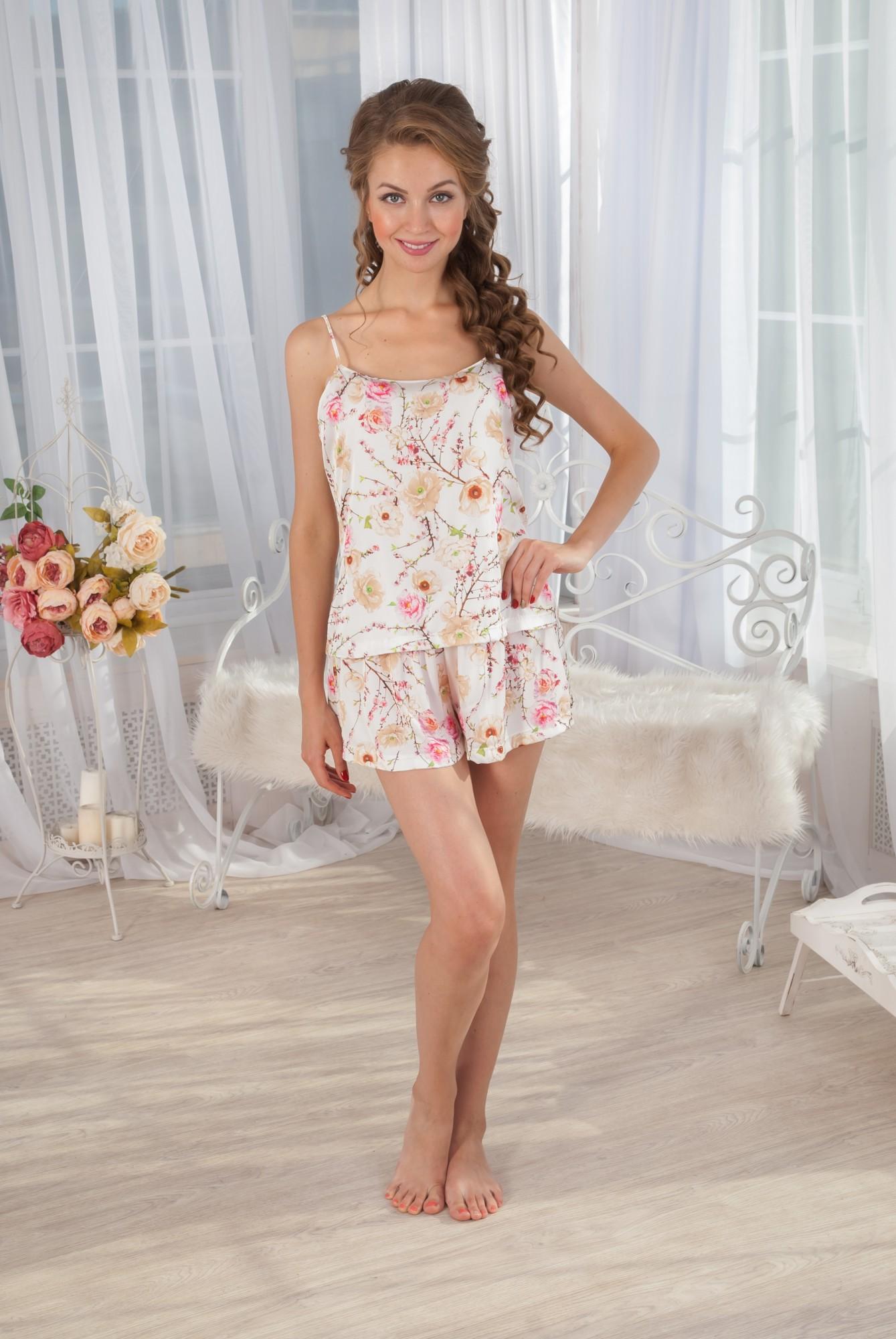 Пижама женская Шелк майка и шортыПижамы<br><br><br>Размер: 52