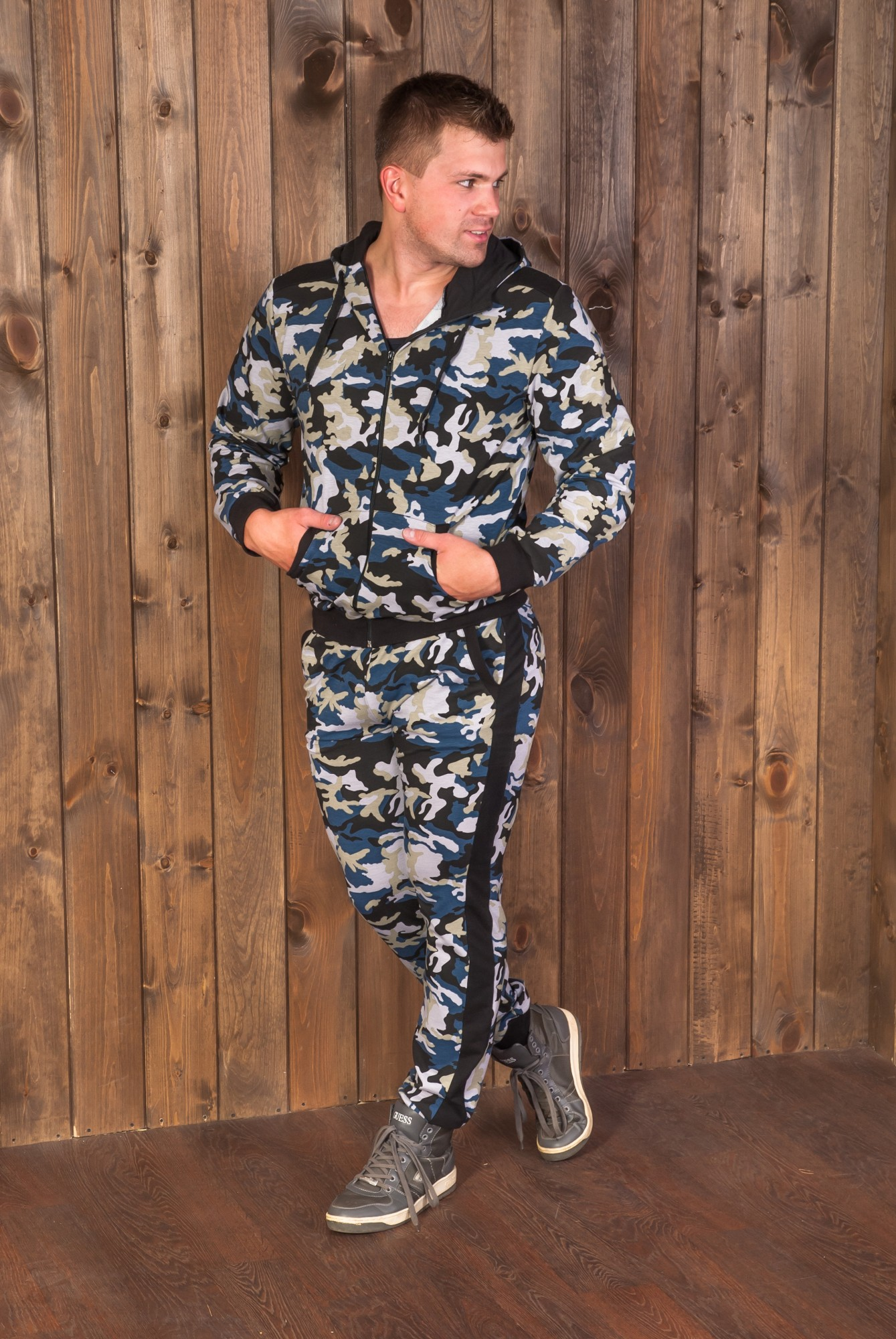 Костюм мужской Герой ветровка и брюкиКостюмы<br><br><br>Размер: 58